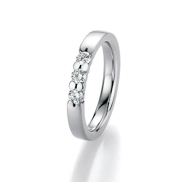 Memoire Ring mit eingefassten Brillanten – eine gelungene Kombination