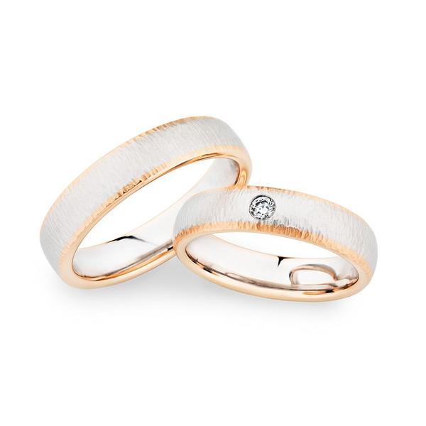 Trauringe mit spezieller Oberfläche und zwei Materialien - Roségold und Weißgold Paarpreis ab 2.500,00€
