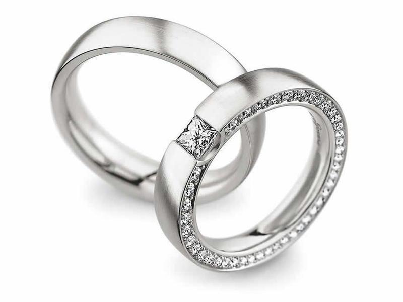 Brillanten und ein Diamant im Princess-Cut - Paarpreis ab 6.500€